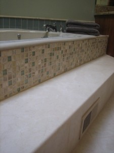 Side-View-of-Stone-Step-Glass-Mosaic-and-Rectangular-Glass-Backsplash-Tiles-225x300